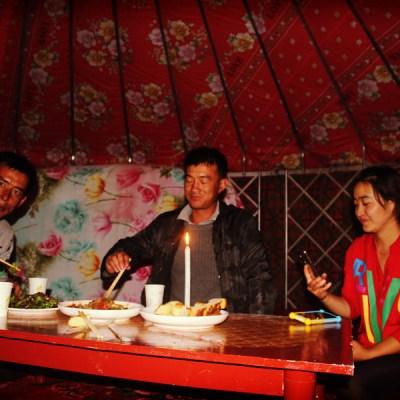 Diner aux chandelles (pas d'électricité dans la yourte)