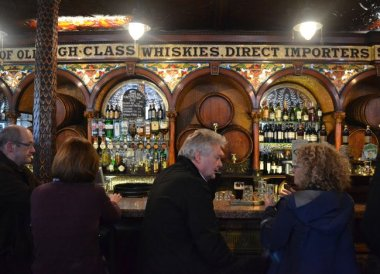 Crown Bar Belfast, Traditional Northern Ireland Food and Drink