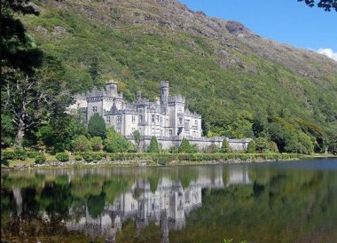 Kylemore Abbey Connemara, Wild Atlantic Way Road Trip West Coast of Ireland