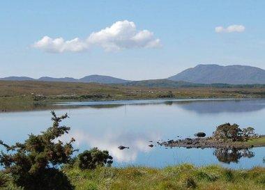 Lakes in Connemara, Wild Atlantic Way Road Trip West Coast of Ireland