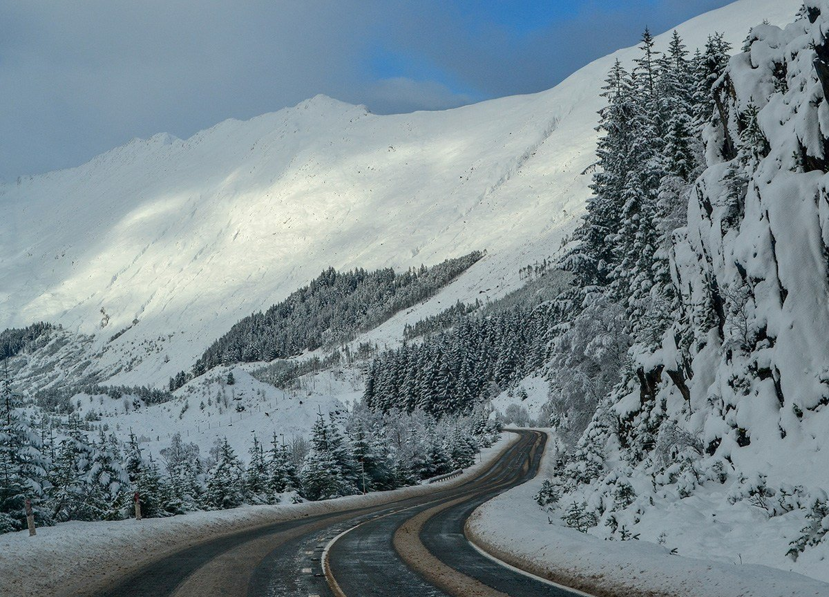 Snowy Roads in Winter, Scotland Road Trip, Self Drive Holidays in Europe