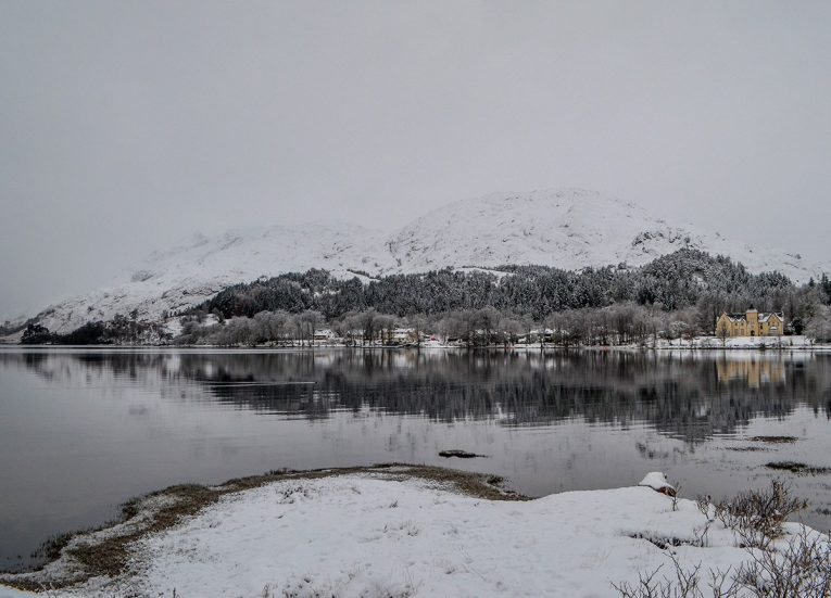 Glen-Finnan in Snow, Scotland Road Trip in Scottish Highlands in Winter Snow