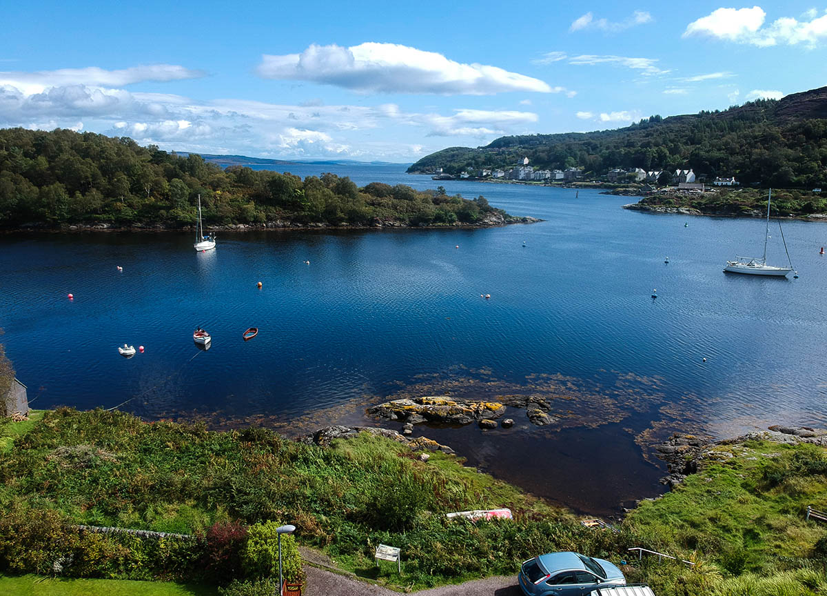 Boats-at-Tarbert-Harbour-Loch-Fyne-on-Scotland-Road-Trip