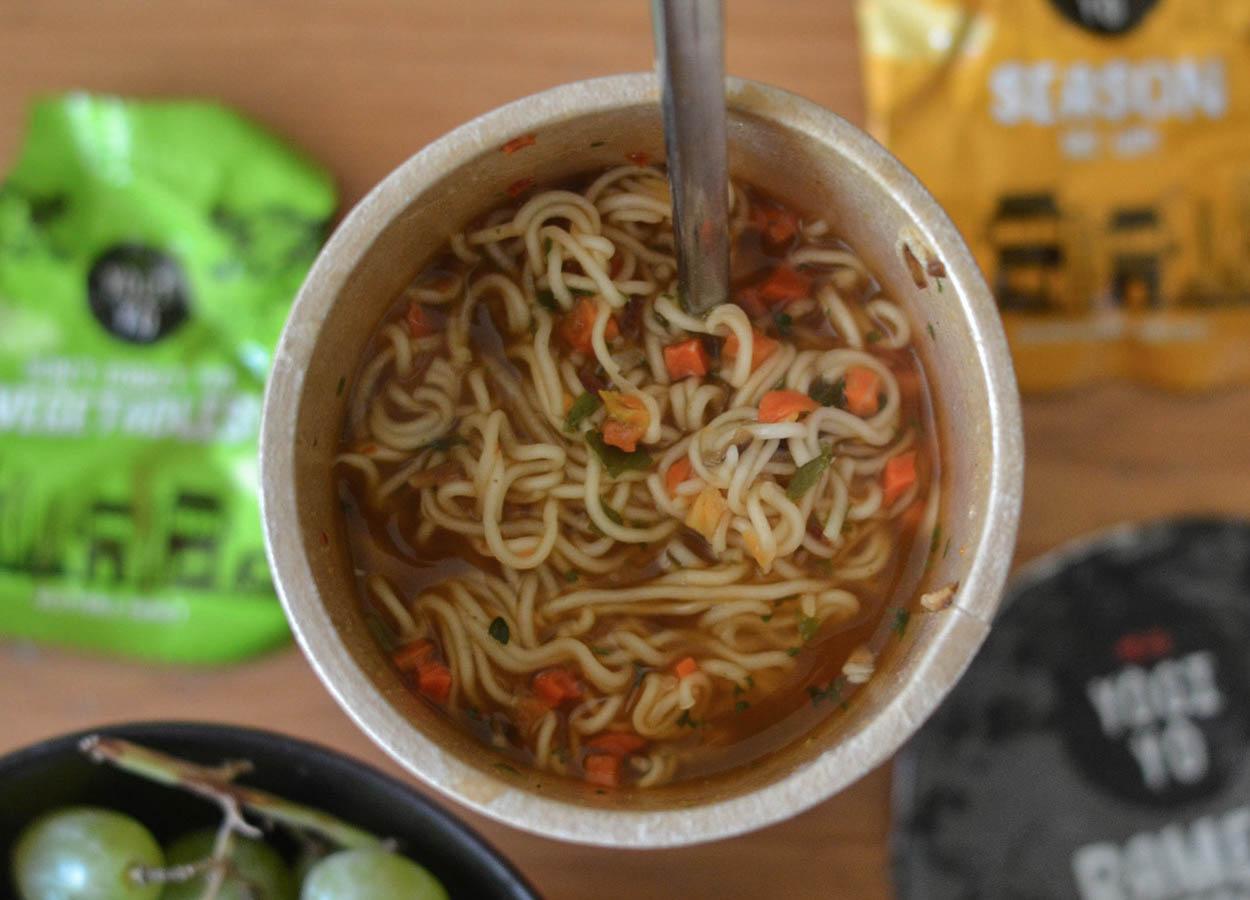 Super Spicy Beef and Mushroom Yogiyo Korean Instant Ramen UK