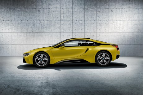 bmw-i8-protonic-frozen-black-yellow-7