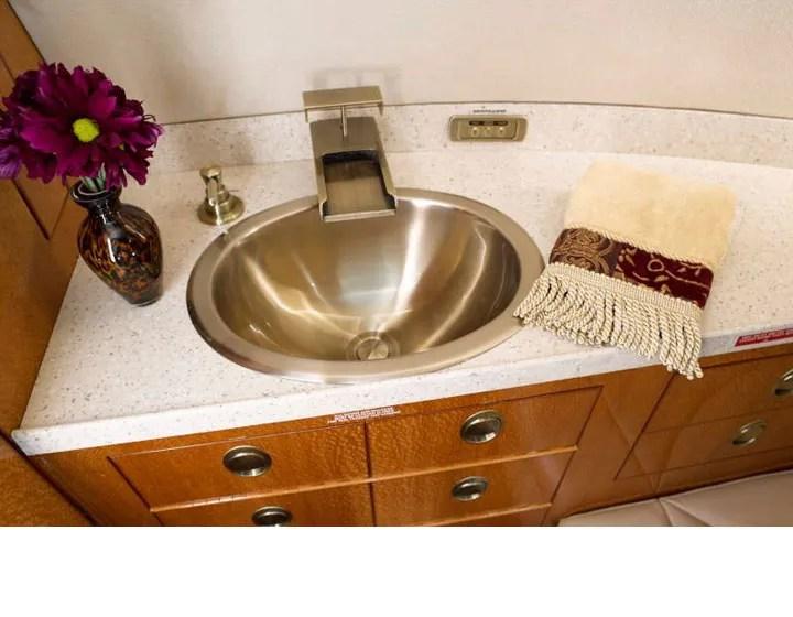 2006 Hawker 850XP lavatory basin