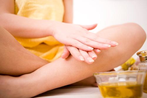 Baobab oil on skin