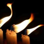 512px-Candles_flame_in_the_wind-other-300x199