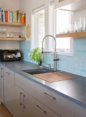 Pratt and Larson Tile Sky Blue R44 Kitchen