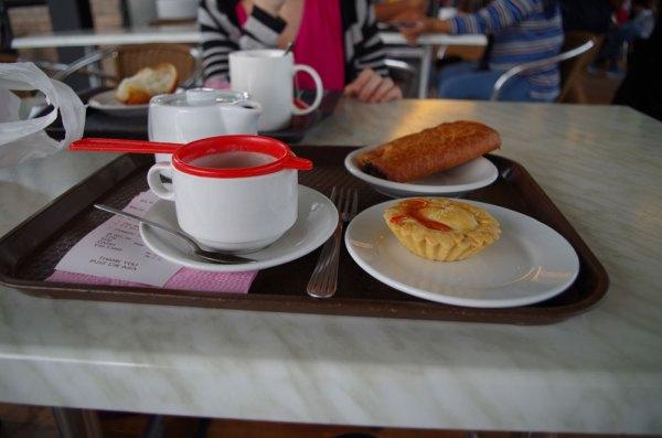 Tea time au milieu des plantations de thé