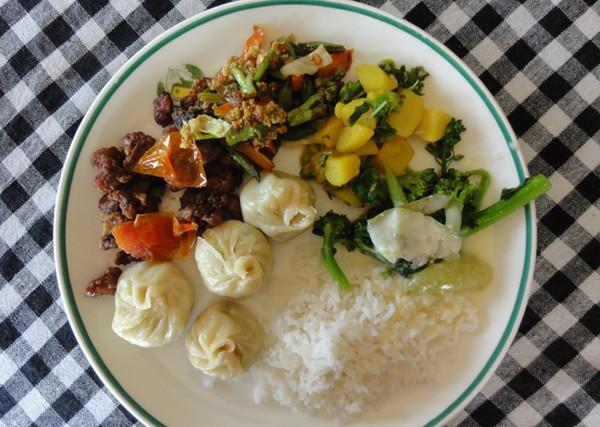 Assiette de momos, incontournable gastronomique au Bhoutan