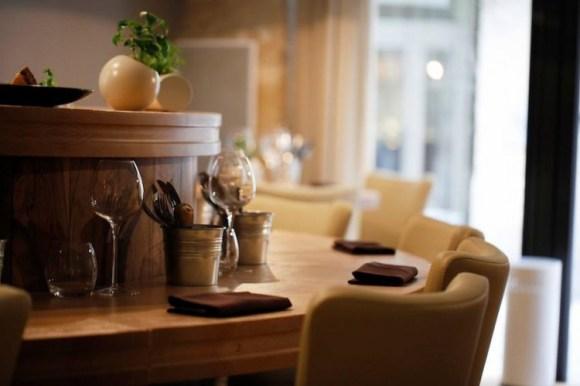 L'intérieur du restaurant Miles, une des meilleurs tables bordelaises