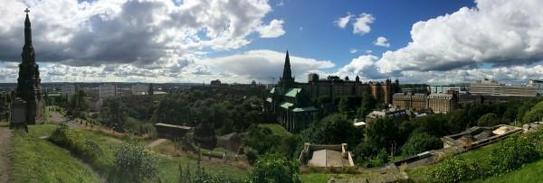 Panorama sur la ville de Glasgow en Ecosse, depuis la Nécropolis