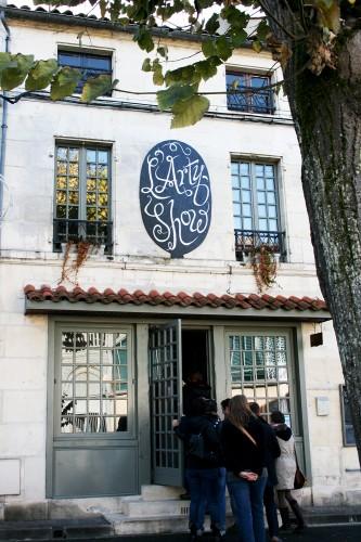 Devanture du restaurant l'Arty Show à Cognac
