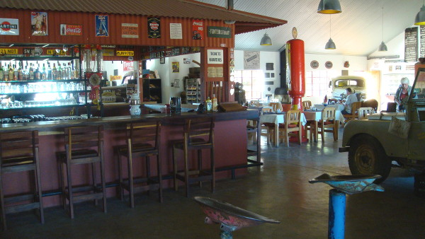 Canon-road-house-namibie-blog-bar-a-voyages