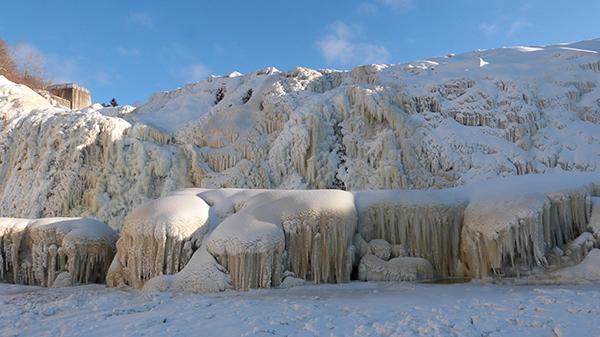 Les chutes de la Chaudière glacées - Québec