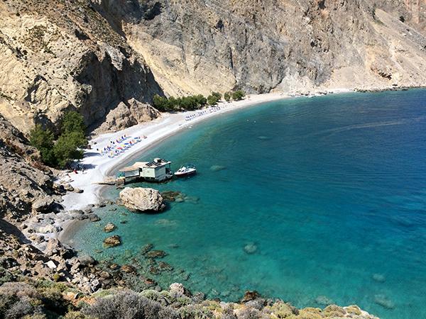 La plage de Glyca Nera et sa taverna sur pilotis : le paradis sur terre !