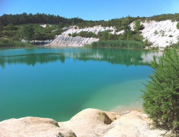 l'eau turquoise du site de Touvérac