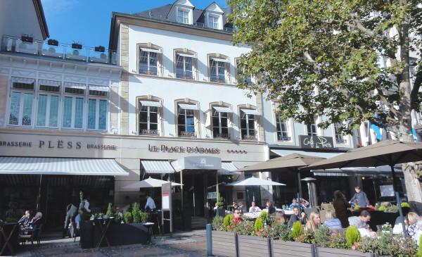 Façade de l'hôtel Le Place d'Armes à Luxembourg Ville