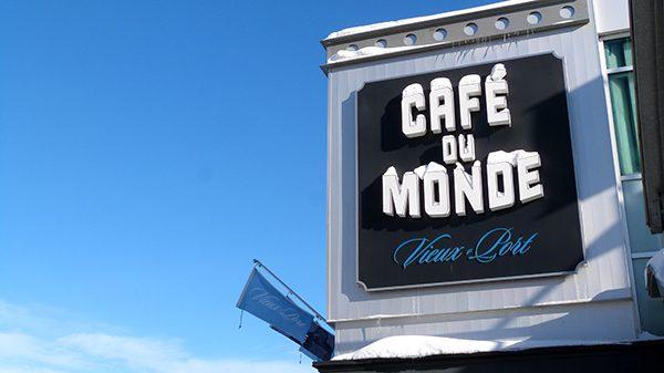 Une adresse idéale par beau temps pour profiter de la vue sur le fleuve Saint-Laurent ©Franck/Le Bar à Voyages