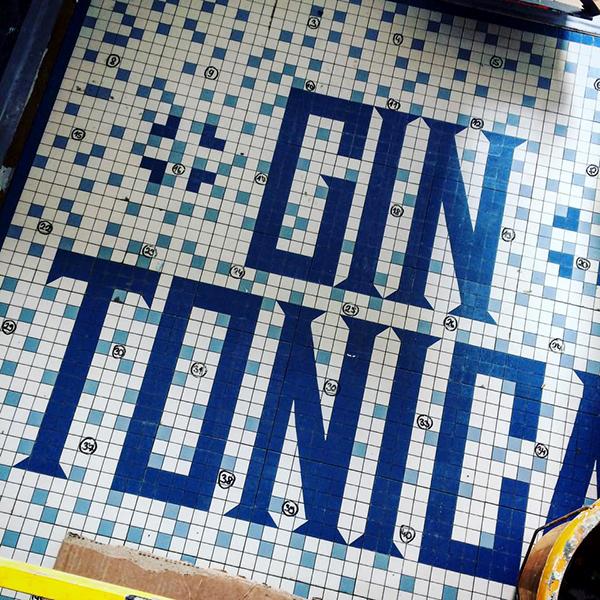 """Une déco """"tonic"""" des murs au plafond ! ©The Distillery"""