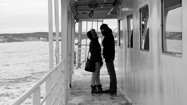 Instant romantique à bord du traversier... ©Franck/Le Bar à Voyages
