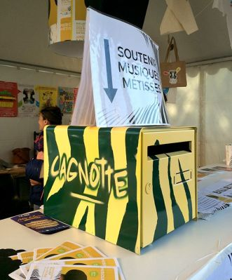 En 2016, le festival Musiques Métisses avait fait appel au public avec un crowdfunding sur Leetchi et une bonne vieille cagnotte sur place ©Le Bar à Voyages/Magali Renard