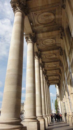 colonnes Grand Theatre Bordeaux - blog Bar a Voyages