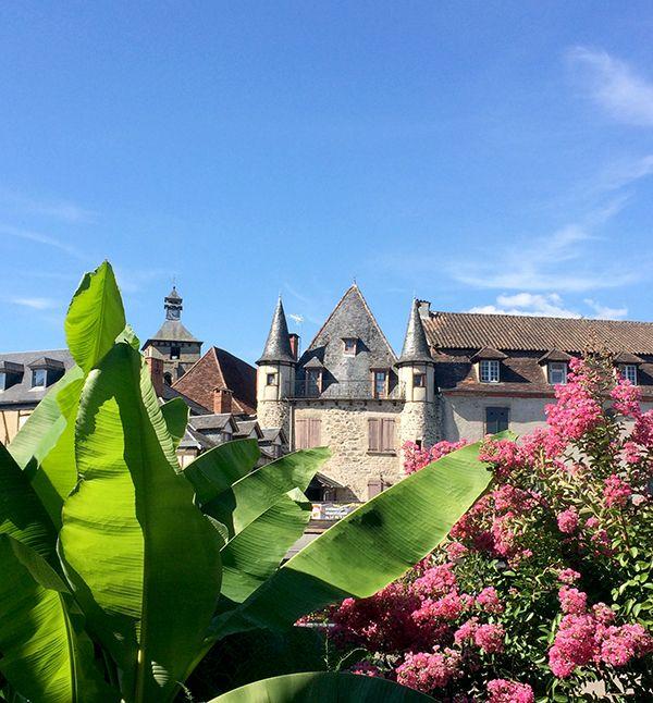 Beaulieu-sur-Dordogne, ses hôtels particuliers, ses palmiers...