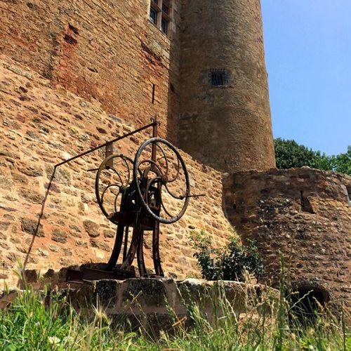 Puits au château de Castelnau-Bretenoux