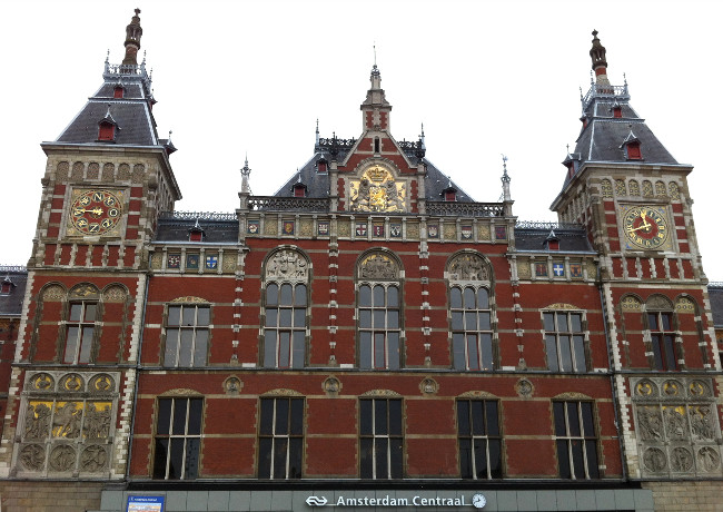 gare d'Amsterdam - blog bar à Voyages