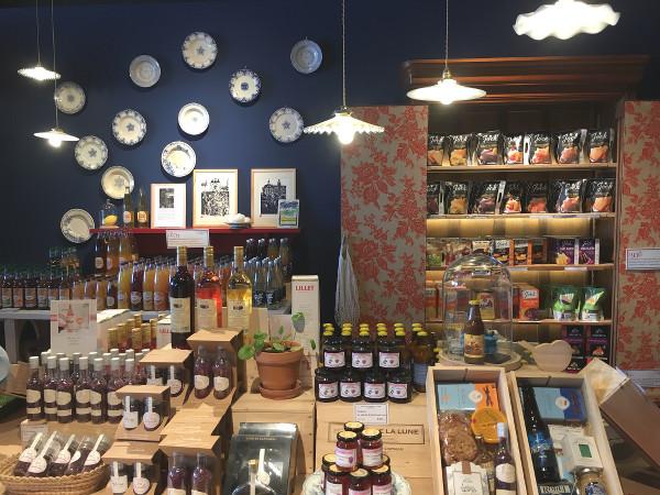 decoration de la boutique Echoppe de la Lune - blog Bar a Voyages
