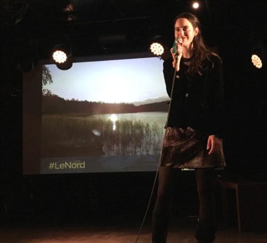 Marielle, speaker présente son voyage lors de Traveler On Stage