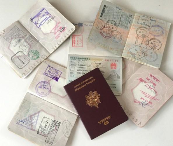 passeports avec tampons et visas de voyage