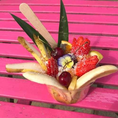 Assortiment coloré de fruits pour un petit déjeuner vitaminé chez Le Mango Tree