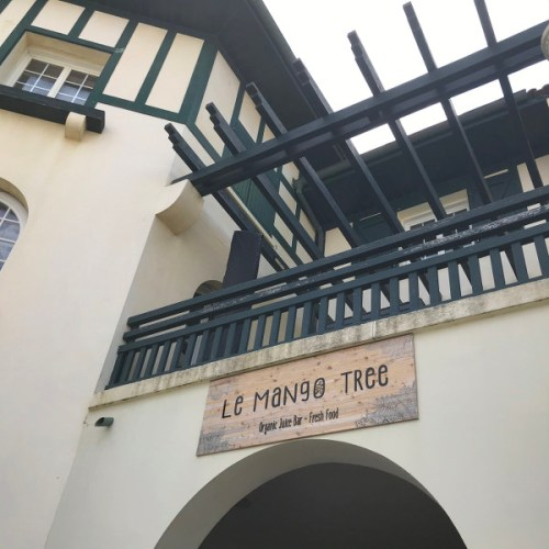 Enseigne du bar Le Mango Tree, place des Landais à Hossegor
