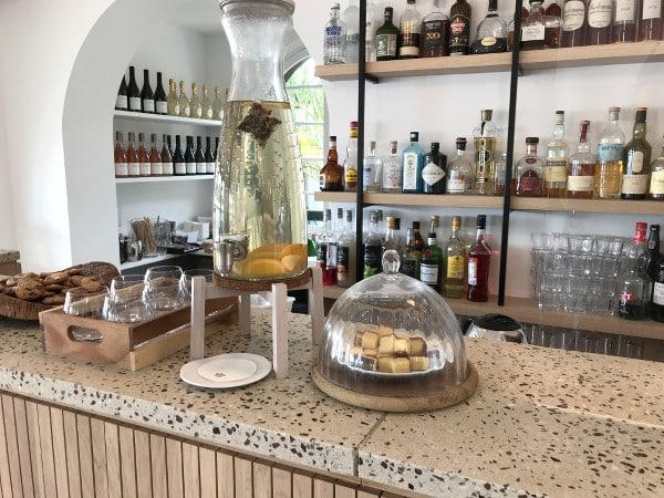 Bar de l'hôtel Les Hortensias du Lac