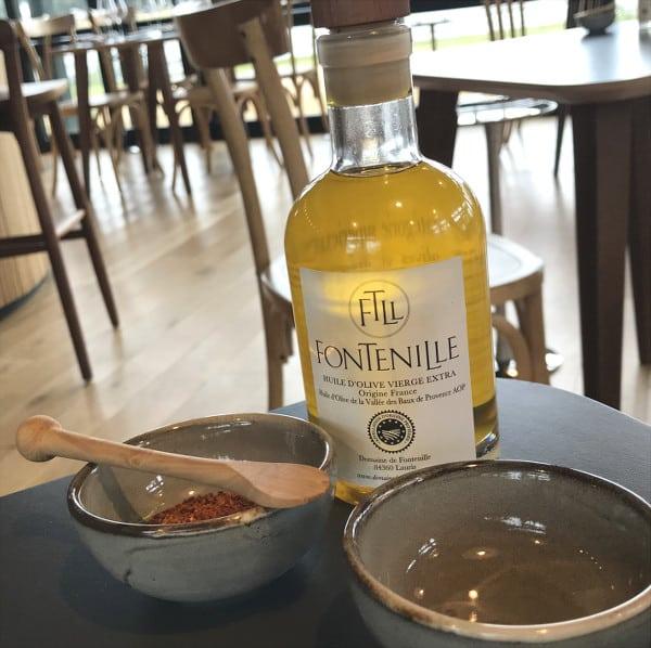 Huile d'olive et piment d'Espelette au restaurant Les Hortensias