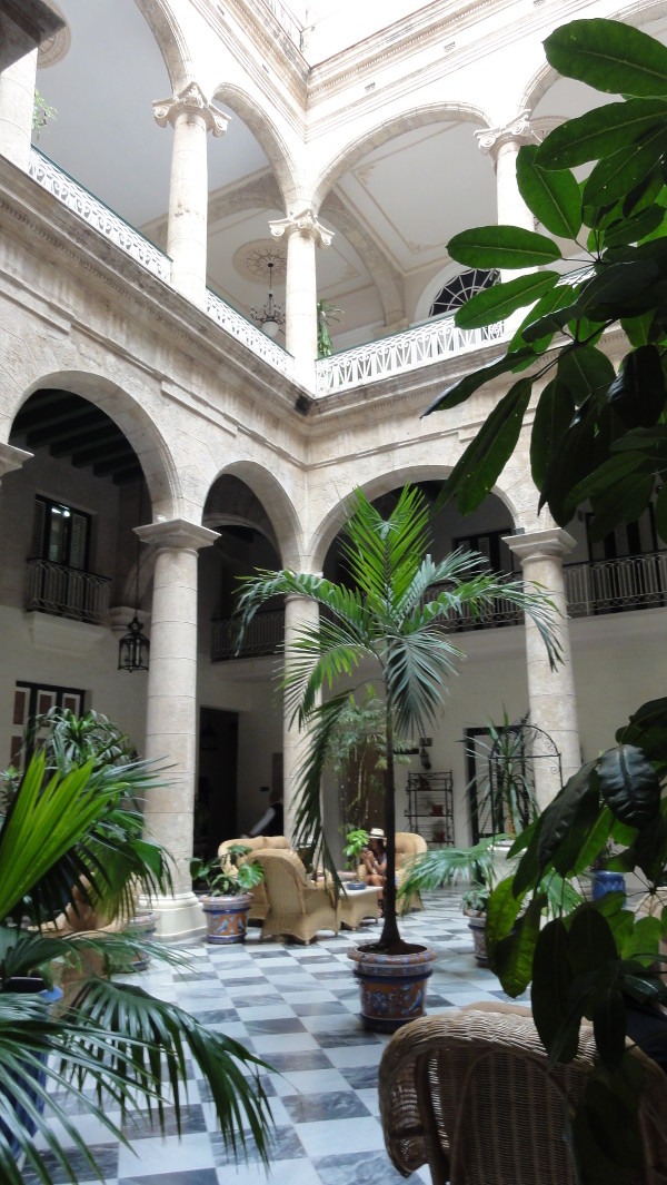 cour intérieure d'une demeure de La Havane