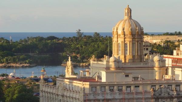 Vue depuis le toit terrasse de l'hôtel Ambos Mundos à La Havane