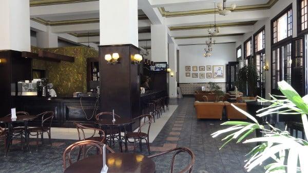Intérieur de l'hôtel Ambos Mundos à La Havane