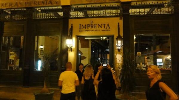 façade du restaurant La Imprenta à La Havane