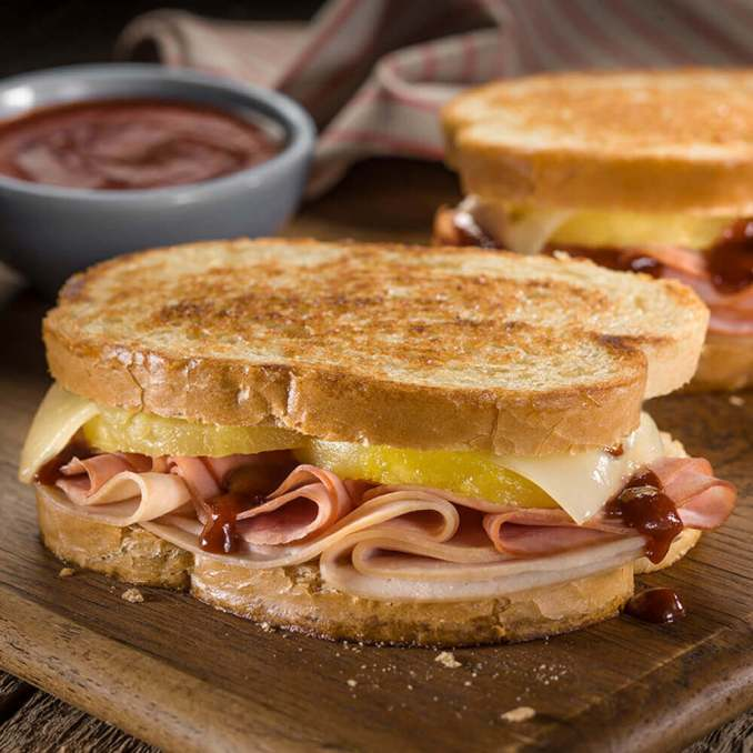 Grilled Hawaiian Ham, Turkey And Cheese Sandwiches | Bar-S