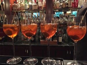 Il barman deve considerare con estrema importanza il momento dell'aperitivo