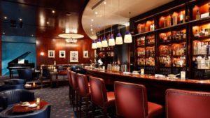 Lavorare come barman in un Hotel è molto diverso che fare il barista in un semplice locale
