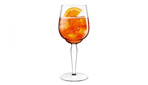 Lo spritz ha un nuovo bicchiere for Bicchiere da spritz