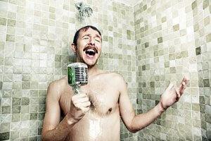 אומן בלי קהל הוא עדיין אינו אומן. הוא מישהו ששר לעצמו במקלחת