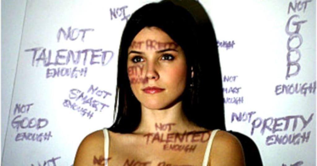 4 טיפים שיעזרו לכם להתמודד עם ביקורת עצמית הרסנית