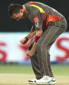 Dale Steyn bowled like the wind to unsettle Delhi Daredevils.