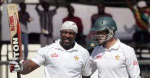 Hamilton Masakadza (l) celebrating his third Test ton.